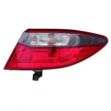 2016 - 2016 Toyota Camry Rear Tail Light Assembly Replacement / Lens / Cover - Right (Passenger) Side Outer - (Special Edition)